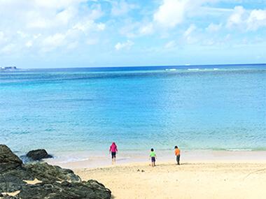 希望ヶ丘入り口の天然ビーチ